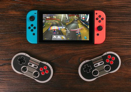 Nintendo_Switch_and_8Bitdo