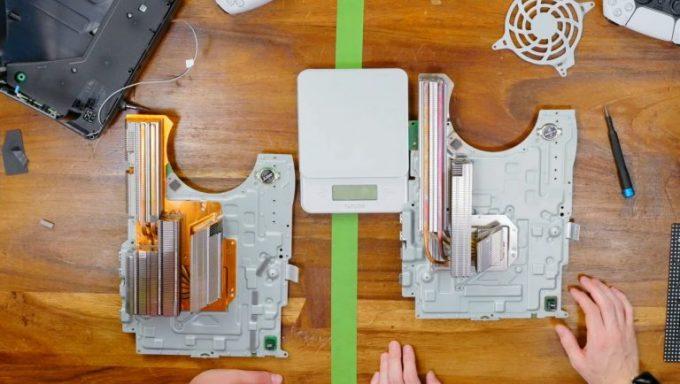 New-Lighter-PS5-Smaller-Heatsink-Runs-Hotter